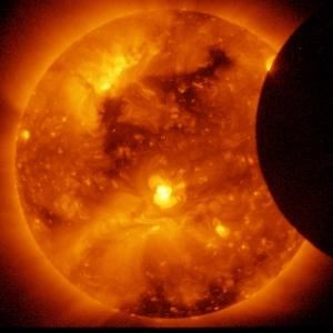 650665main_hinode-eclipse-orig_full[1]
